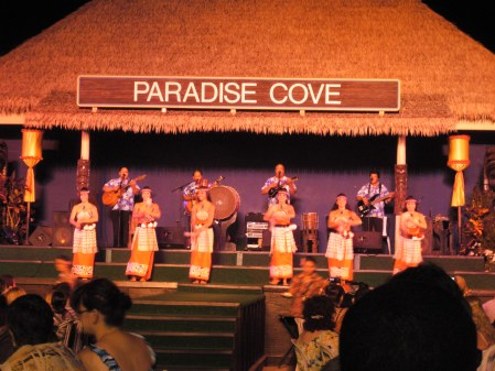 Paradise Cove's dancing cousins... well, probably not actual cousins.