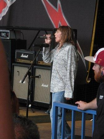 Tesla lead vocalist Jeff Keith: Dude, what's up with that shirt?
